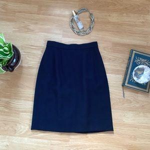 Gorgeous, high-quality black Anne Klein skirt